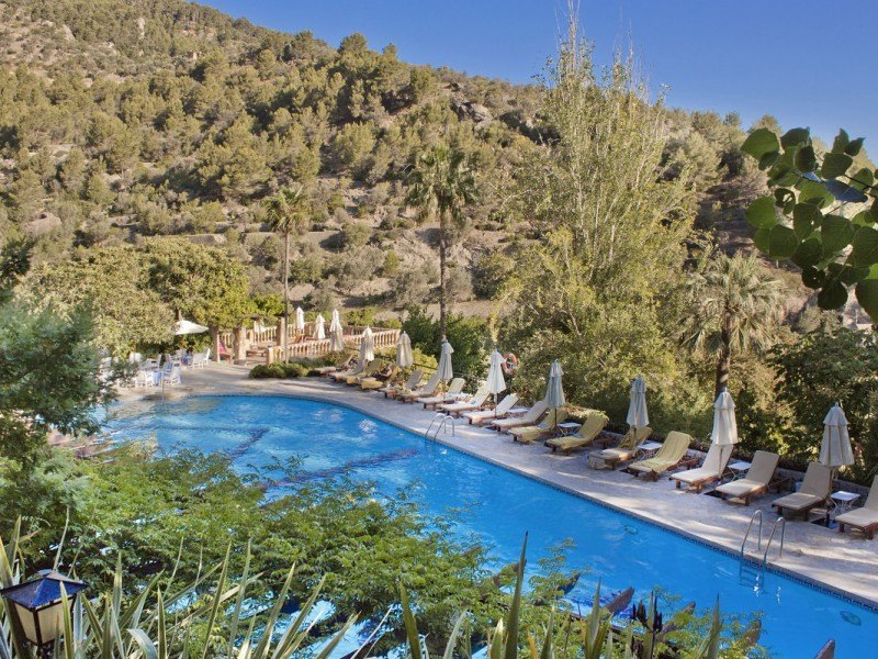 5-1-3-Hotel-Deia-Mallorca-Piscina-Pool-Bar