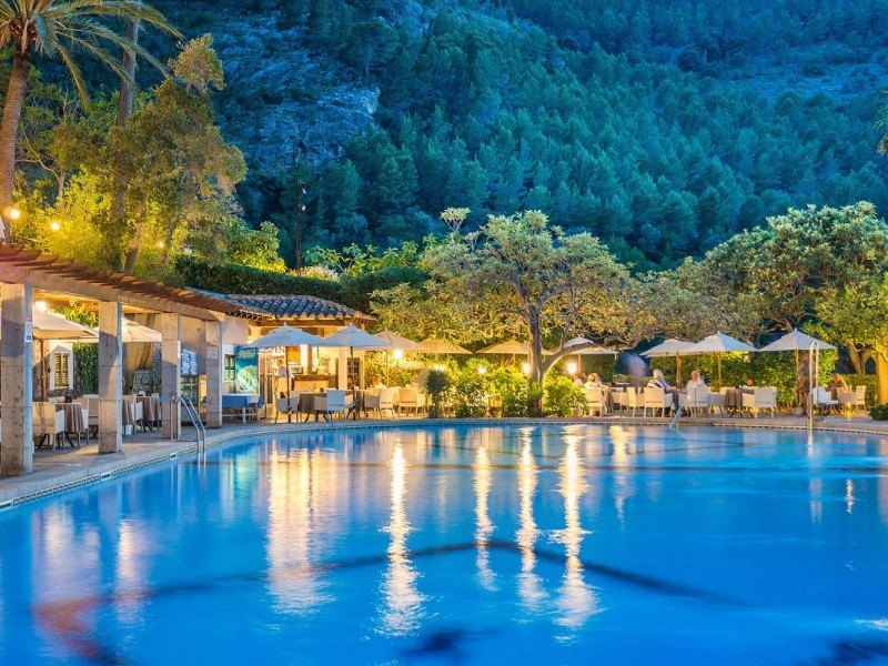 5-1-5-Hotel-Deia-Mallorca-Piscina-Pool-Bar